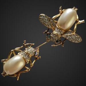 KENNETH JAY LANE   Kenneth©Lane Rhinestone Fly Beetle Bug Brooch Pin, Figural